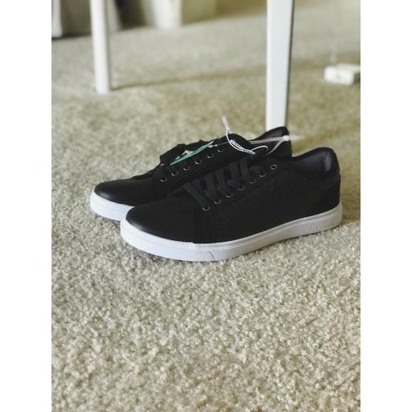 4e8f4cdf343b NWOT Perry Ellis Portfolio Black   white shoes. M 5b761eaa5098a094677f33d4